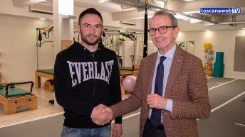 """Dopo la vittoria al teatro Verdi, si è ufficializzato all'interno del Training Lab di Firenze, l'ingresso nel team di """"Un gancio al Parkinson"""" del campione pesi super medi Dragan Lepei"""